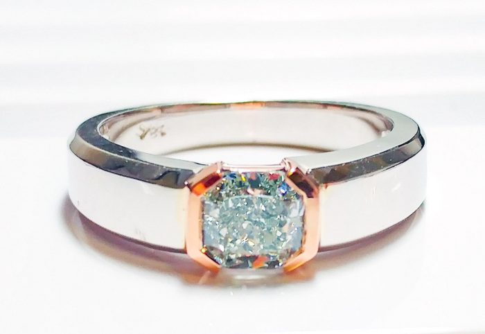 57 102 700x482 - Green Diamond - Men's Unisex Ring 1.29ct Natural Fancy Light Green GIA 18K Gold