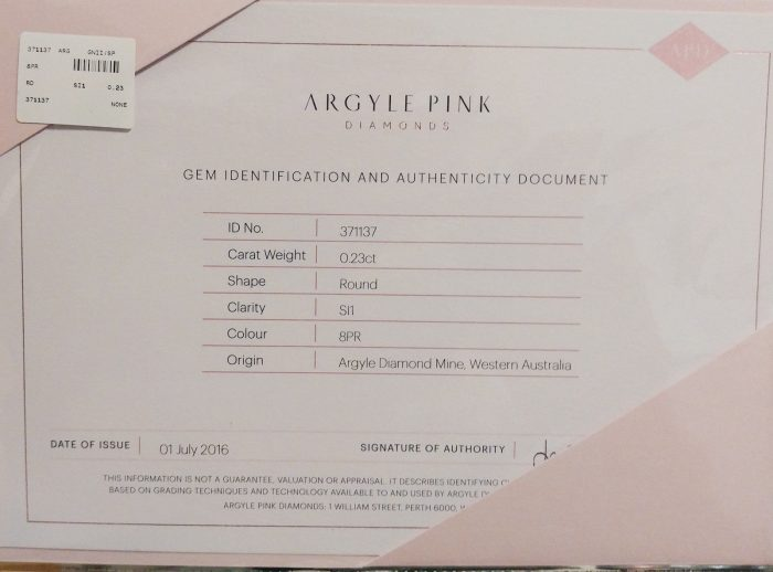 57 31 2 700x518 - Pink Diamond – 0.23ct ARGYLE Natural Loose Fancy Light Pink Color GIA Round SI1
