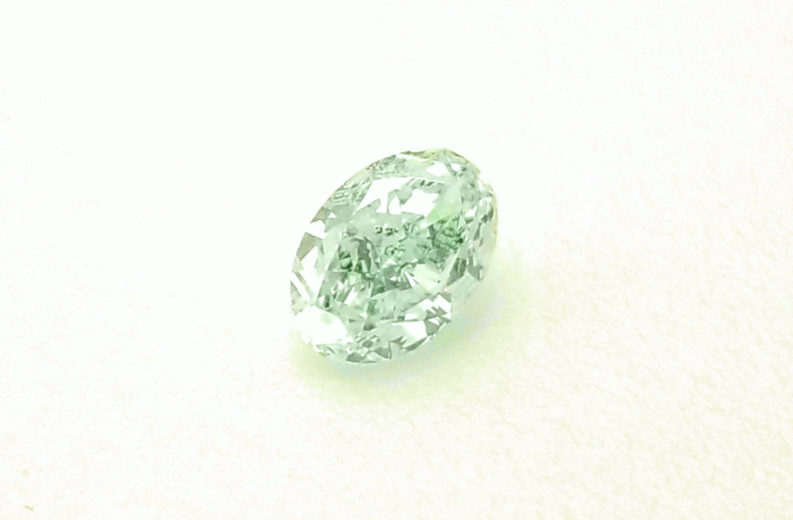 0.32ct Green Diamond - Natural Loose Fancy Lighth Green Color GIA Oval SI1
