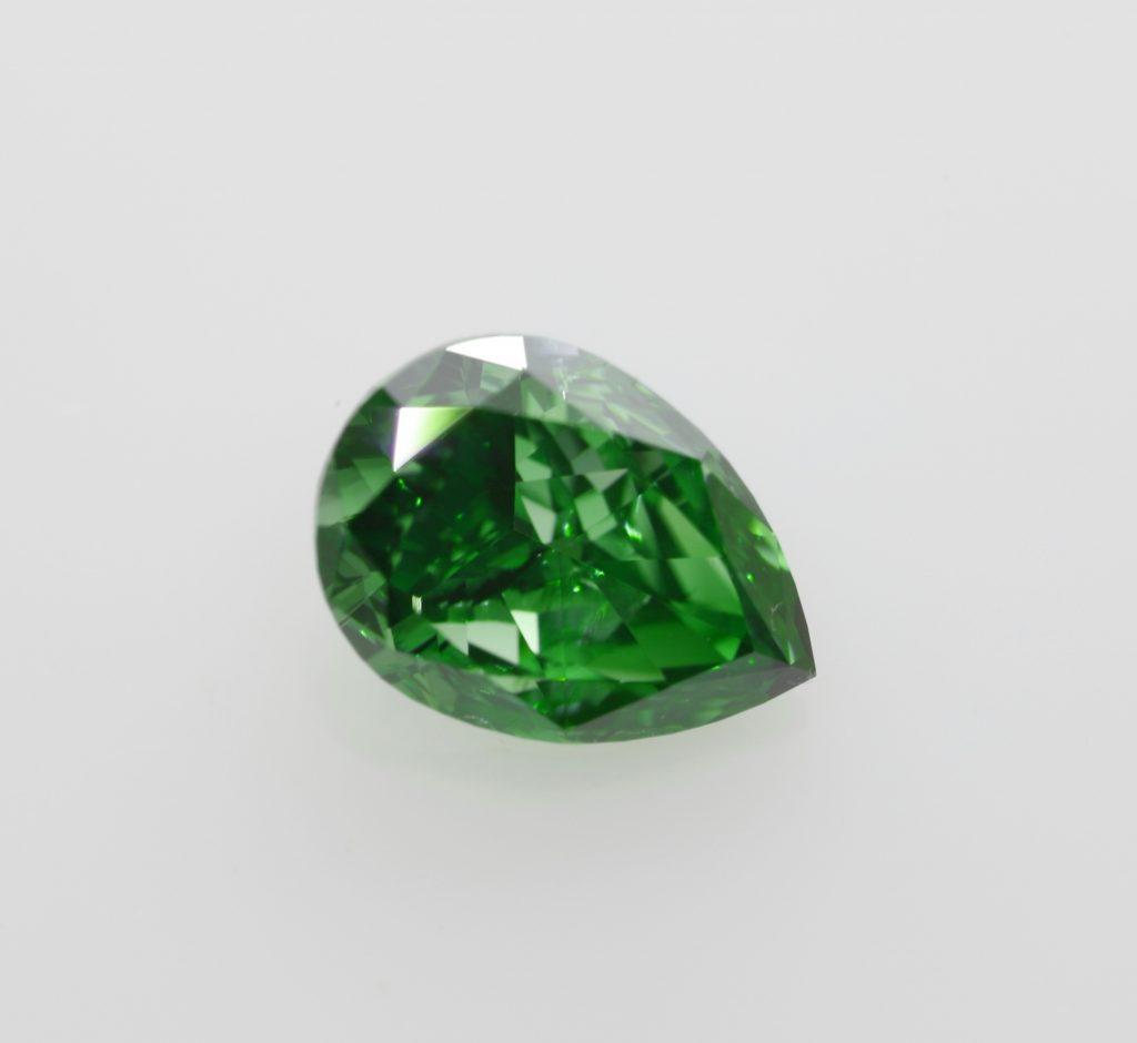 fancy vivid green pear gia