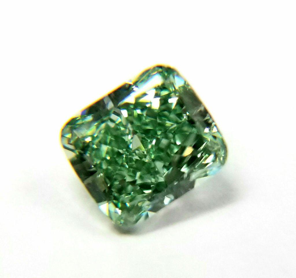 vivid green diamond