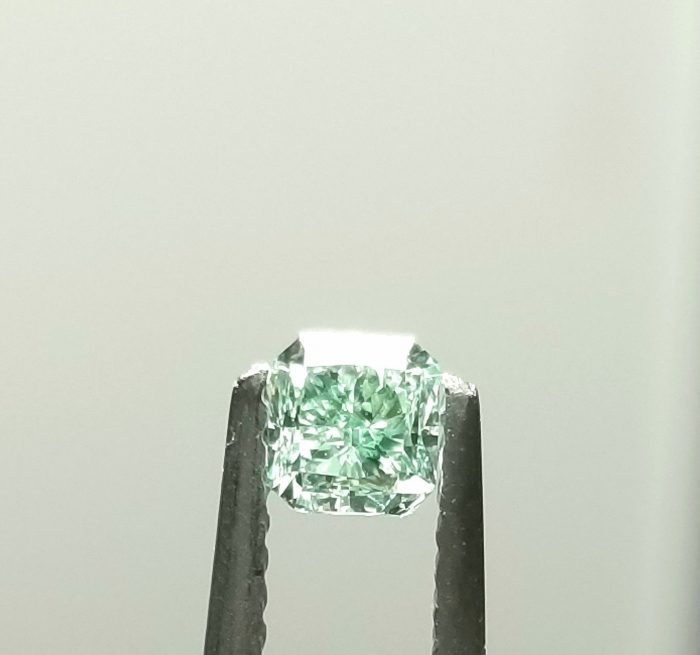 Real 034ct Natural Loose Fancy Green Top Color Diamond GIA VS2 Radiant Shape 263749725151 2 700x655 - Real 0.34ct Natural Loose Fancy Green Top Color Diamond GIA VS2 Radiant Shape