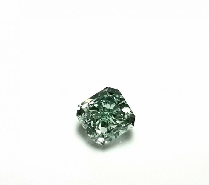 Real 034ct Natural Loose Fancy Green Top Color Diamond GIA VS2 Radiant Shape 263749725151 700x620 - Real 0.34ct Natural Loose Fancy Green Top Color Diamond GIA VS2 Radiant Shape