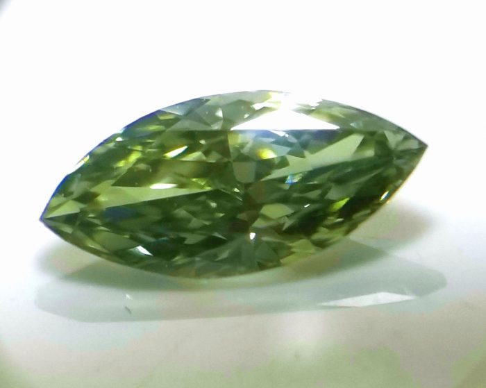 Chameleon Diamind Real 057ct Natural Loose Fancy Green VS1 Diamond GIA Marqui 264131018172 2 700x559 - Chameleon Diamind - Real 0.57ct Natural Loose Fancy Green VS1 Diamond GIA Marqui