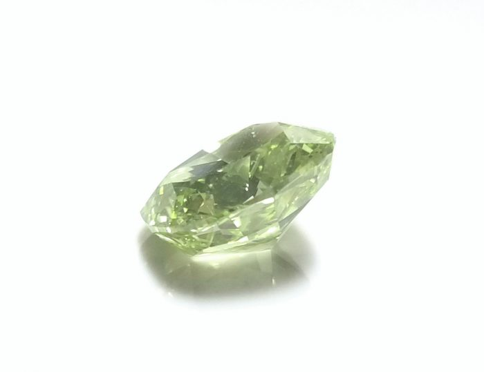 Real 200ct Natural Loose Fancy Yellow Green Color Diamond GIA Cushion 253957321352 3 700x539 - Real 2.00ct Natural Loose Fancy Yellow Green Color Diamond GIA Cushion