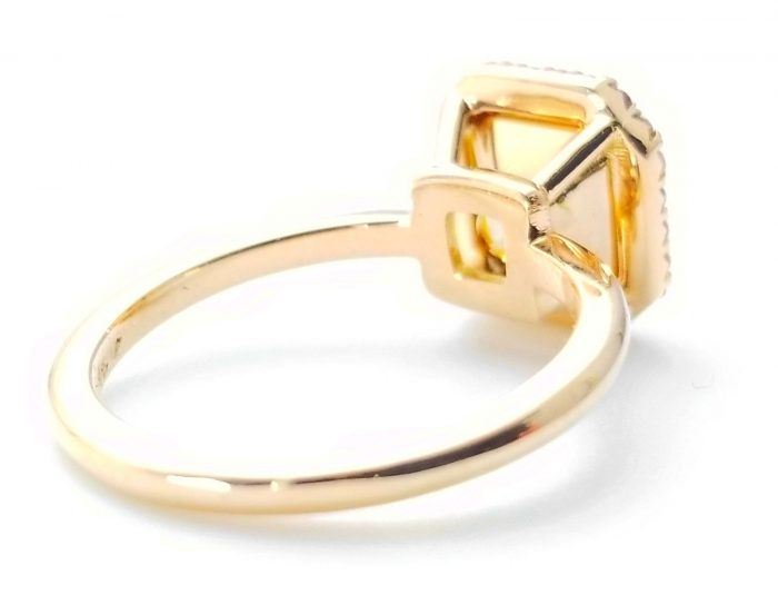 225ct Natural Fancy Pink Light Yellow Engagement Ring GIA Accsher 18K Gold VS 263781428826 3 700x535 - 2.25ct Natural Fancy Pink & Light Yellow Engagement Ring GIA Accsher 18K Gold VS