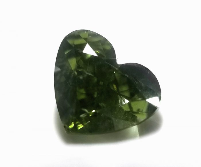 Chameleon 101ct Natural Loose Fancy Best Green Color Heart Diamond GIA SI2 264141538018 4 700x583 - Chameleon 1.01ct Natural Loose Fancy Best Green Color Heart Diamond GIA SI2